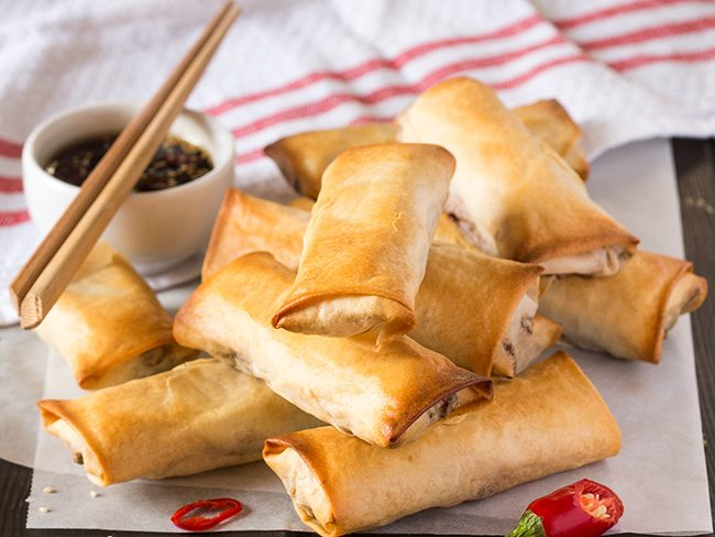 baked-spring-rolls-with-a-dipping-sauce